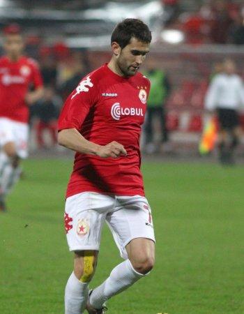 Антонио Томас