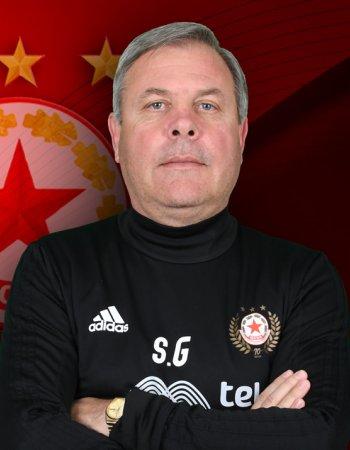 Стефан Генов